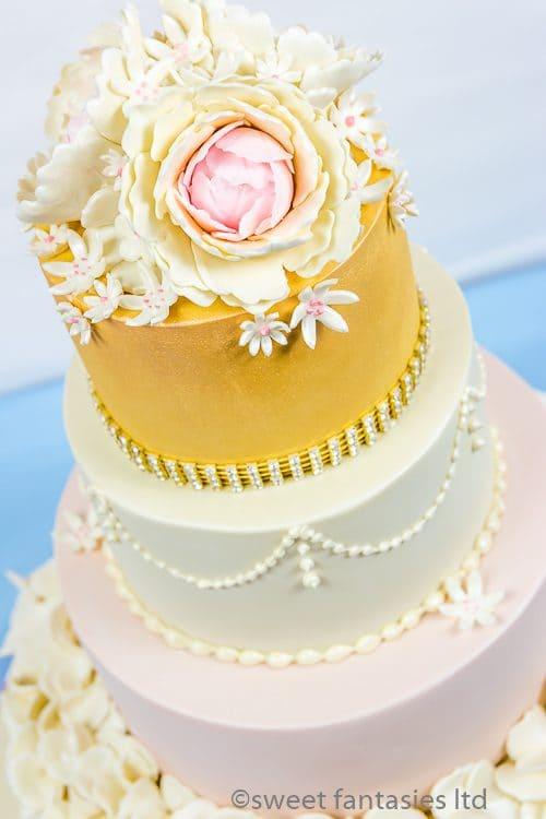 Wedding cake designs with flowers   sweet fantasies cakes